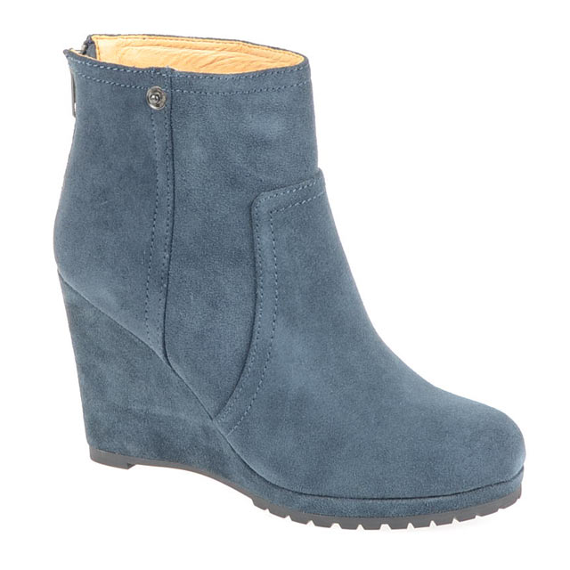 Blau Buffalo Suede Booties
